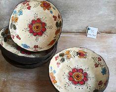 Ceramic Mugs, Ceramic Bowls, Ceramic Pottery, Pottery Art, Maker Shop, Hand Embroidery Tutorial, Tea Cup Set, Hand Painted Ceramics, Ceramic Painting