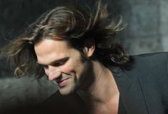 Jared and his magical hair. <<< I'm not freaking out, are you freaking out? No, I'm just very interested in your hair and the magical qualities that it possesses.