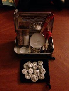 cunningfoxwitch: Altoid tin witches travel kit. I always like...