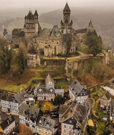 Schloss Braunfels in Germany. Fantasy Castle, Fairytale Castle, Castle Ruins, Medieval Castle, Beautiful Castles, Beautiful Places, Wonderful Places, Places To Travel, Places To Go