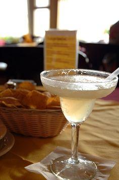 Cómo hacer margaritas con mezcla para margaritas   eHow en Español