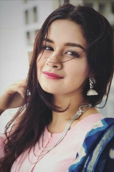 Avneet Kaur the tik tok star Age, Height, Weight, biography and more information about her. Beautiful Girl Photo, Cute Girl Photo, Beautiful Girl Indian, The Most Beautiful Girl, Beautiful Indian Actress, Cute Girl Poses, Girl Photo Poses, Girl Photography Poses, Stylish Girls Photos