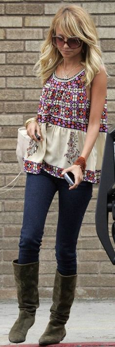 Nicole Richie looking cute in this casual boho outfit.