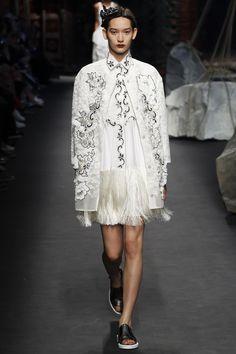 Antonio Marras - Spring Summer 2016 Ready-To-Wear - Shows - Vogue. Fashion Week, Runway Fashion, Fashion Show, Fashion Looks, Milan Fashion, Antonio Marras, Spring Summer 2016, Spring Summer Fashion, Tropical Fashion