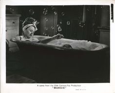 Rub-a-dub-dub: Jeanne Crain Jeanne Crain, Life Magazine, Best Actress, Vintage Hollywood, Bath Time, American Actress, Cinema, Actresses, Film