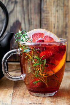 Tea with raspberries, grapefruit and rosemary Healthy Drinks, Healthy Recipes, Jus Detox, Dehydrator Recipes, Flower Tea, Herbal Tea, Tea Recipes, High Tea, Tea Time