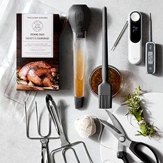 Thankgiving Tools Basic Pie Dough Recipe, Donut Recipes, Vegan Recipes, Tri Tip Marinade, Pie Mold, Cooking Tools, Cooking Utensils, Dutch Oven Recipes