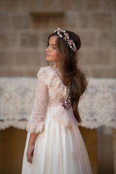 Wedding Flower Girl Dresses, Baby Girl Dresses, Communion Hairstyles, Girls Communion Dresses, Heirloom Sewing, First Communion, Silk Dress, Girl Hairstyles, Outfits