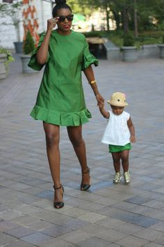 There is nothing more inviting anytime of the year than a deep green fabric. Make that deep green, a silk and you have completely won me… African Attire, African Wear, African Dress, African Print Fashion, African Fashion Dresses, Chic Outfits, Fashion Outfits, Mother Daughter Fashion, Mommy And Me Outfits
