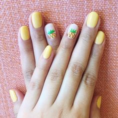 Mismatched Nails: Pineapple-Twist Nails