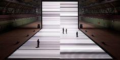 ryoji ikeda - test pattern https://www.youtube.com/watch?v=XwjlYpJCBgk