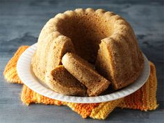 Piimä-porkkanakakku Sweet Recipes, Cake Recipes, Bread Recipes, Finnish Recipes, Cake Shop, Piece Of Cakes, Creative Food, No Bake Desserts, Coffee Cake