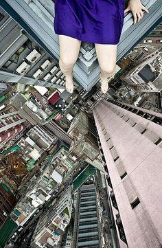Vertigo-inducing self portrait photos by death-defying rooftopper Jun Ahn. Self Portrait Photography, Art Photography, Perspective Photography, Travel Photography, Photos Du, Cool Photos, Living On The Edge, Birds Eye View, Belle Photo