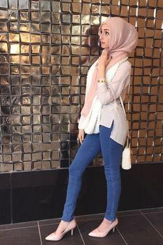 - صور محجبات مديل 2017 Pictures of veiled women Modest Fashion Hijab, Modern Hijab Fashion, Street Hijab Fashion, Casual Hijab Outfit, Arab Fashion, Islamic Fashion, Hijab Chic, Muslim Fashion, Fashion Outfits