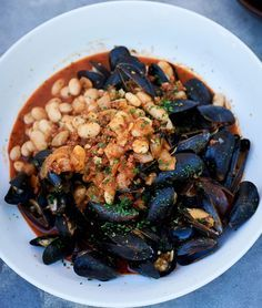 """Fino-Steamed Mussels with Chorizo and White Beans 