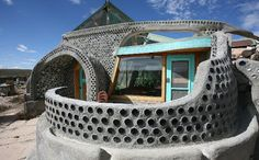The Humble Libertarian: Earthships: 21st century self-sufficient homesteads