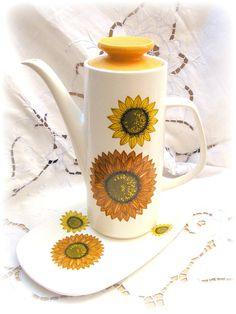 Fab 1970s Sunflower Coffee Pot by J & G Meakin by TeaWithKitty, £17.00