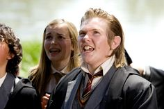 Pin for Later: 22 Harry Potter Costumes You Haven't Thought of Yet Young Peter Pettigrew What to wear: Your Hogwarts uniform with your hair slicked back and fake buck teeth. How to act: Sneaky, and like you might turn on your friends. Harry Potter Kostüm, Harry Potter Characters, Hogwarts Uniform, Gellert Grindelwald, Peter Pettigrew, Slick Hairstyles, Prisoner Of Azkaban, Marauders Era, Fantastic Beasts