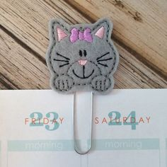 Kitty Cat Gifts for Cat Lovers, Pet Lover Gift, Cat Greeting Card Insert, Kitty Cat Planner Paper Clip, Cat Bookmark Gifts - Gray Gifts For Pet Lovers, Pet Gifts, Cat Lovers, Felt Bookmark, Small Sewing Projects, Cat Crafts, Paper Clip, Little Gifts, Small Gifts