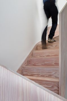 Mike Tuck Studio Architects - beautiful, crafted and hands-on architecture in London, Cambridge and the south east of England Victorian Townhouse, Victorian Homes, Timber Stair, Side Return, East London, Architecture, Stairs, Wood Walls, House Design