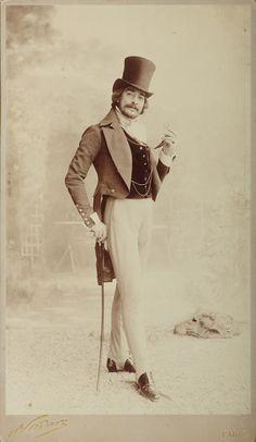 Man with tophat, Paris c. 1890. 11.9 x 7.1 inches, Felix Nadar (1820–1910)  »Nadar Paris« studio cardboard
