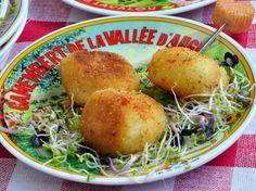 Découvrez la recette Croquettes de camembert sur cuisineactuelle.fr.