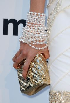 Another way wear your pearls!