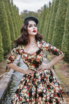 Hearts and Roses Black Floral Swing Dress 102 14 17110 20151124 0012WModel