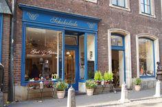 "Best coffee place in Allstadt at Dusseldorf, Germany ""Gut & Gerne Schokolade"" Düseldorf'ta küçük bir çikolatacı kafe"