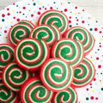 Christmas Pinwheel Cookies --- From our amazing collection of 50 of the Best Chr Gluten Free Cookie Recipes, Delicious Cookie Recipes, Cake Mix Recipes, Baking Recipes, Pinwheel Cookies, Roll Cookies, Yummy Cookies, Best Christmas Cookie Recipe, Holiday Cookies