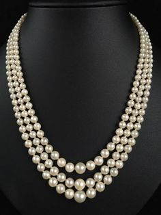 ANTIQUE TRIPLE STRAND SALTWATER JAPANESE AKOYA GRADUATED PEARL NECKLACE - 284