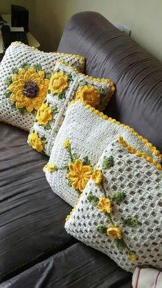 Delicate Crochet Pillows: 50 charming models to inspire you! : Delicate Crochet Pillows: 50 charming models to inspire you! Crochet Cushion Cover, Crochet Pillow Pattern, Crochet Cushions, Crochet Patterns, Blanket Patterns, Crochet Blankets, Cushion Covers, Crochet Sunflower, Crochet Flowers