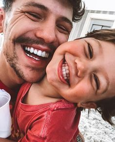 Daddy and me we have fun! Cute Family, Baby Family, Family Goals, Family Life, Little Babies, Cute Babies, Baby Kids, Vetement Fashion, Future Mom