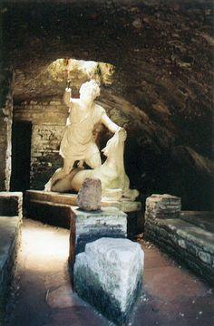 Sacrifice au dieu Mithra, à Ostie   Rome visiter Rome hotels à Rome appartements location