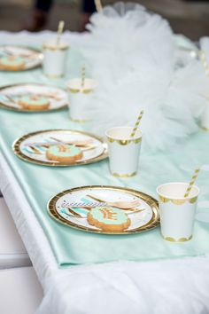 Create this pretty mint princess party with help from this gorgeous petite party kit from Mooico. Party Kit, Gold Party, Princess Party, Mint, Table Decorations, Create, Birthday, Peppermint, Birthdays