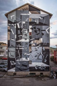 Clemens Behr creates a new mural in Catanzaro, Italy