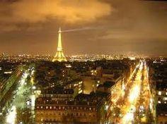 I LOVE PARIS!!!! :)