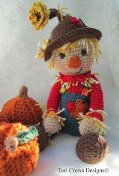 Teri Crews Designs: New Simply Cute Scarecrow Pattern & Free Cute Pumpkin Pattern