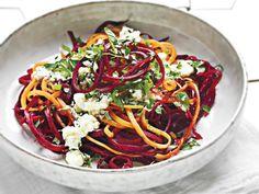 Spaghetti di Carote e Barbabietole con Erbe aromatiche e Feta marinata