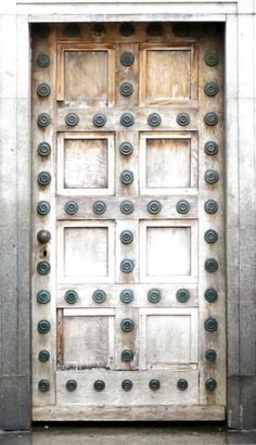 Keep seeing this door around. It's always uncredited. It's gotta be French, turn of the Century before last. Looks so Gallic.
