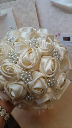 Wedding Bouquets For Bride Red Broch Bouquet, Pearl Bouquet, Ribbon Bouquet, Wedding Brooch Bouquets, Diy Bouquet, Brooch Bouquet Tutorial, Bling Bouquet, Broschen Bouquets, Purple Bouquets