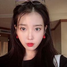 Image about cute in ✧・゚:* 𝐣𝐢 𝐞𝐮𝐧 - 𝐢𝐮 *:・゚✧ by ☁️✨ Sulli, Iu Hair, Grunge Girl, Korean Actresses, Korean Artist, Kpop Fashion, Beautiful Asian Girls, K Idols, Heart Earrings