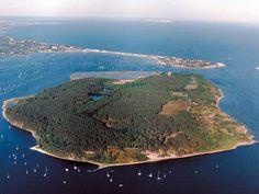 Catch a boat trip to the idyllic Brownsea Island when in Bournemouth Bournemouth, Beautiful Islands, Beautiful Places, Places To Travel, Places To See, Dorset Holiday, Dorset England, Jurassic Coast, Uk Holidays