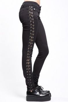 Just what any girl wants jeans with laces. Women's Stretch twill skinny pant with faux leather side lace up cotton, Spadex Trekking Outfit, Lace Jeans, Casual Skirt Outfits, Black Outfits, Outfit Jeans, Emo Outfits, Shoes With Jeans, Ladies Dress Design, Women's Fashion Dresses