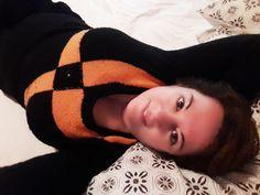 """Pull mohair vintage acquisto londinese di qualche anno fa… perfetto anche in montagna quando la sera dopo una giornata sugli sci si ha solo voglia di """"spiaccicarsi"""" in poltrona davanti a un romantico film... segue su: http://apinchofgingerspice.com/2016/10/31/look-happy-halloween-nero-e-arancio/"""