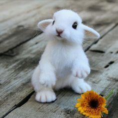 Крольчонок Радик. Игрушка из шерсти – купить или заказать в интернет-магазине на Ярмарке Мастеров | Крольчонок изготовлен из овечей шерсти с…