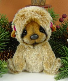 Shiloh, a miniature bear by artist Ece Hanson from Southern California.