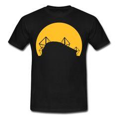 Das Dortmunder Fussballstadion, Westfalenstadion bzw. der Signal-Iduna-Park im Sonnenuntergang als Fan auf dein Shirt.