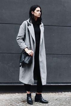 Manchmal braucht ein Outfit nicht mehr als einen grauen Mantel und ein Paar schöne Schuhe. Ich bin wirklich ein riesen...