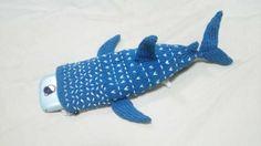 「ジンベイザメのスマホ・カバー」編めました!
